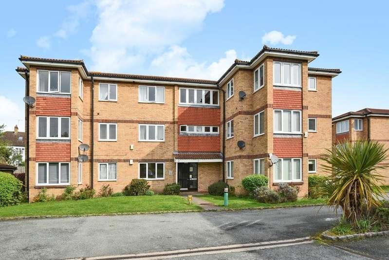 2 Bedrooms Flat for sale in Wickham Lane Welling DA16