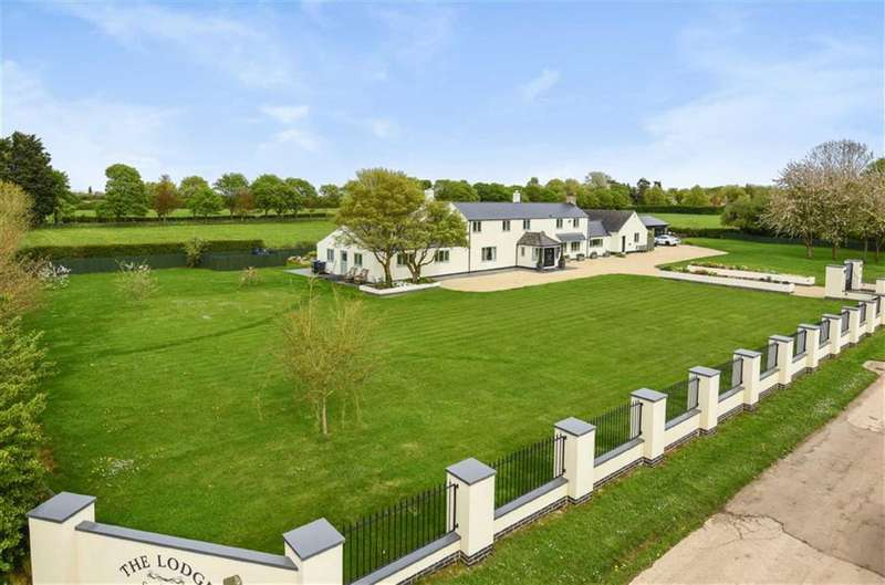 5 Bedrooms Detached House for sale in South Farm, Water Eaton, Wiltshire