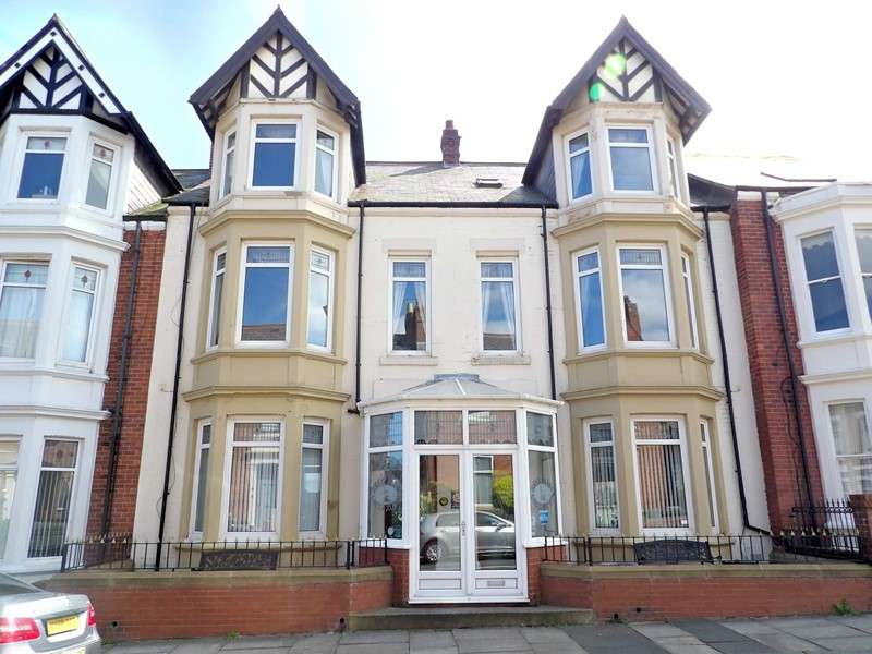 13 Bedrooms Property for sale in Julian Avenue, Lawe Top, South Shields, Tyne and Wear, NE33 2EW