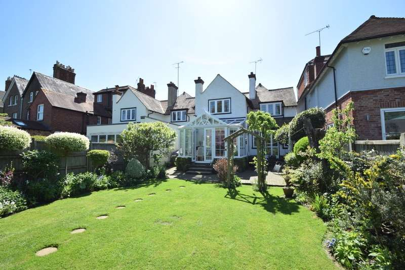 3 Bedrooms Detached House for sale in Clarence Road, Windsor, SL4