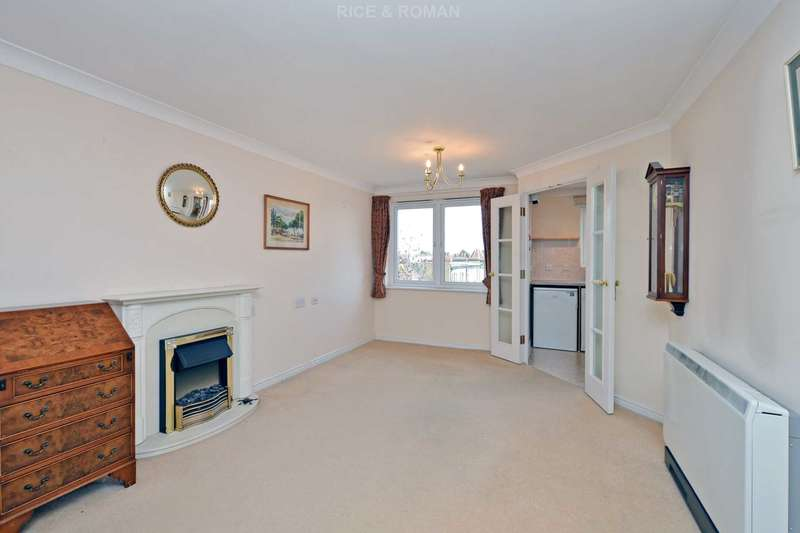 1 Bedroom Retirement Property for sale in Clifton Park Avenue, London