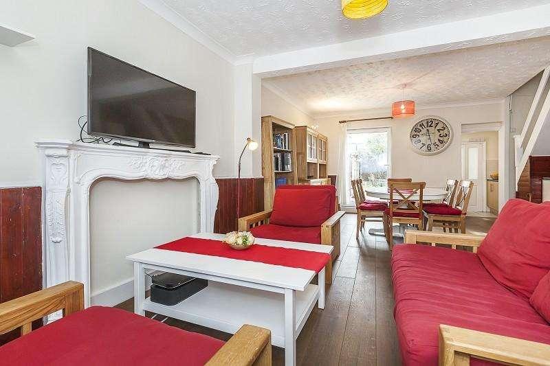 2 Bedrooms Terraced House for sale in Hollybush Street, Plaistow, London. E13