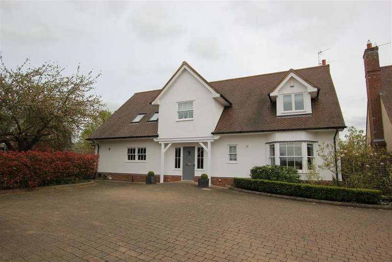 5 Bedrooms Detached House for sale in Howe Green, Chelmsford