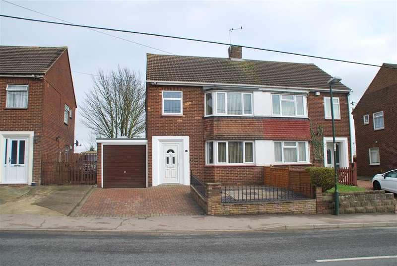 3 Bedrooms Semi Detached House for sale in Bells Lane, Hoo St Werburgh