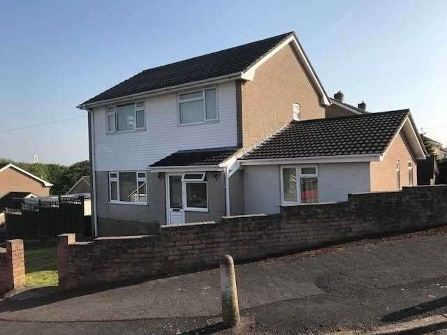 4 Bedrooms Detached House for sale in Norse Way, Sedbury, Chepstow