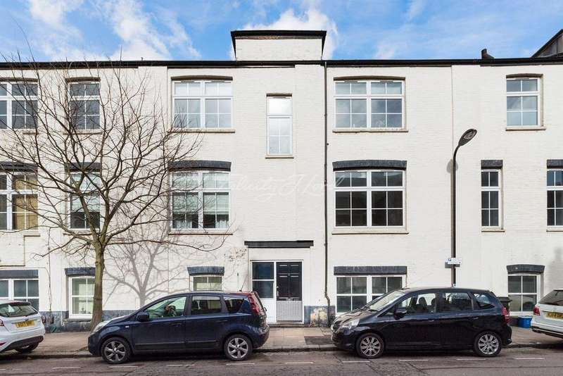 4 Bedrooms Flat for sale in Beatty Road, N16
