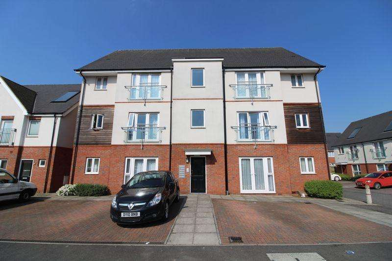2 Bedrooms Flat for sale in Luxury apartment with parking on Digby Close, Luton