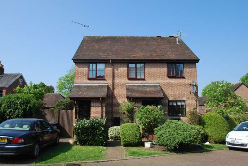 2 Bedrooms Maisonette Flat for sale in Old Town Close, Beaconsfield, HP9