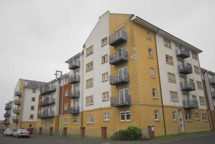2 Bedrooms Apartment Flat for rent in Redwood, Greenock **Available 2nd June 2018**