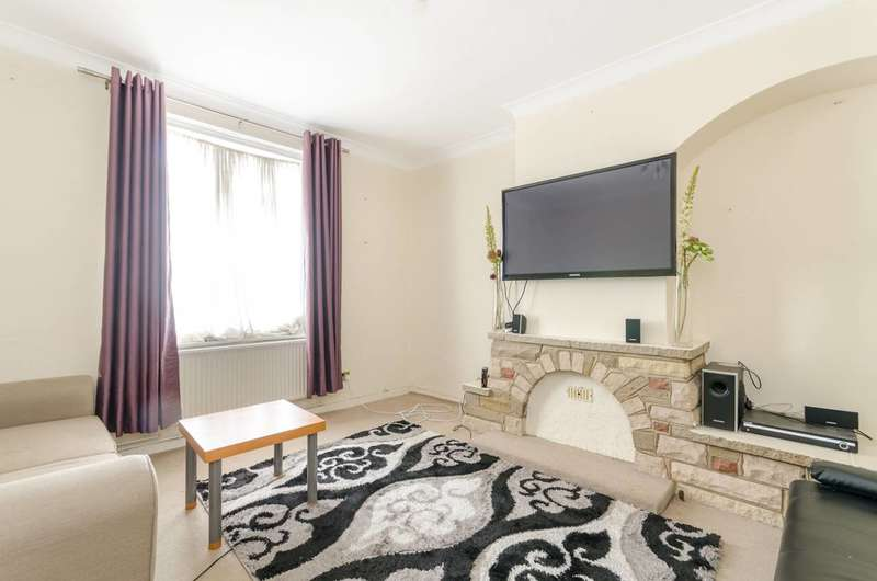 3 Bedrooms House for sale in Launcelot Road, Bromley, BR1