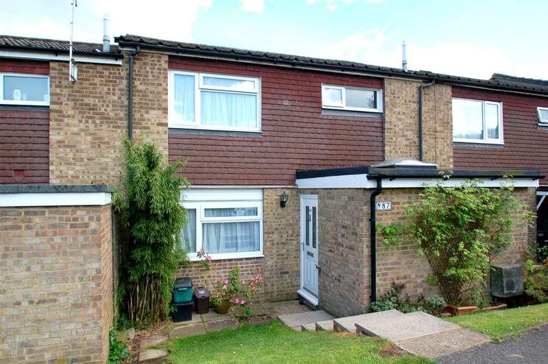 3 Bedrooms Terraced House for sale in Oakwood, Flackwell Heath, HP10