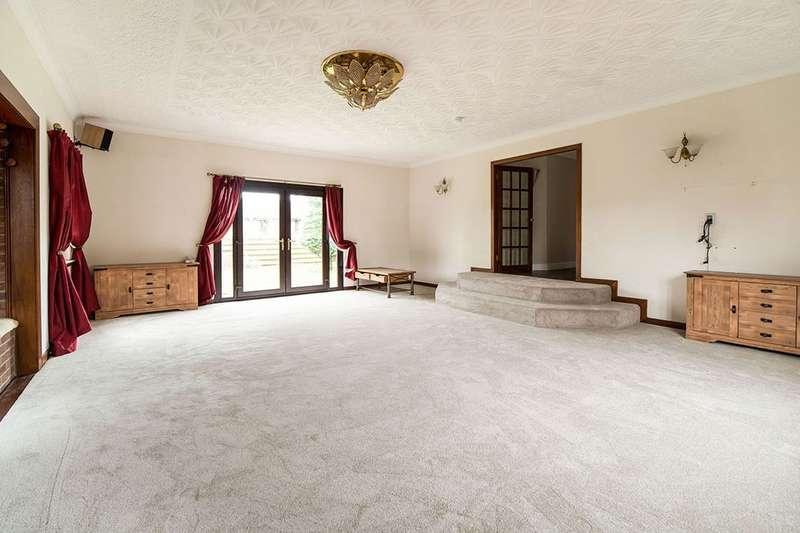 5 Bedrooms Detached Bungalow