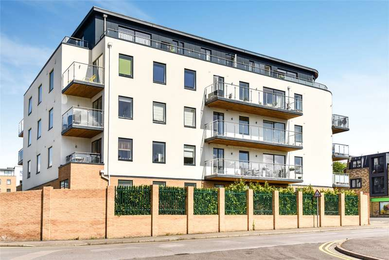 2 Bedrooms Apartment Flat for rent in Grosvenor Mansions, Sullivan Road, Camberley, Surrey, GU15
