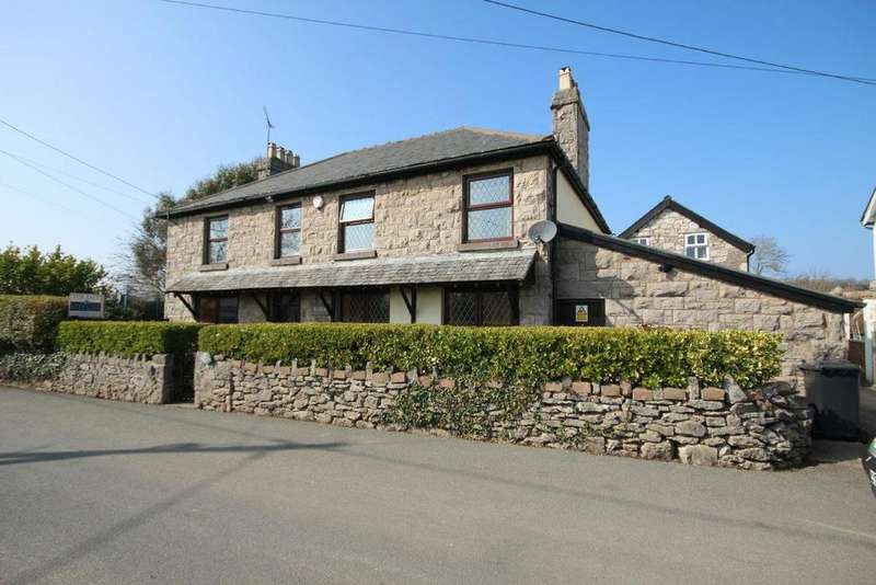 4 Bedrooms Detached House for sale in LLysfaen Outskirts