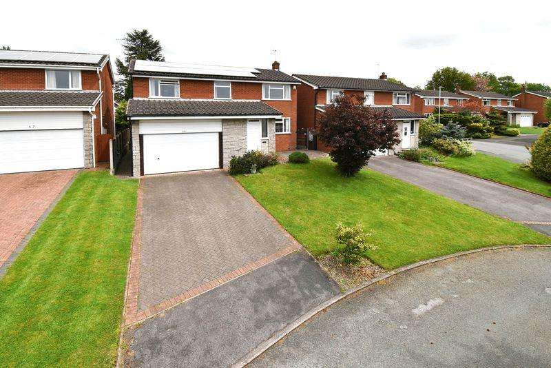 4 Bedrooms Detached House for sale in Daisybank Drive, Congleton
