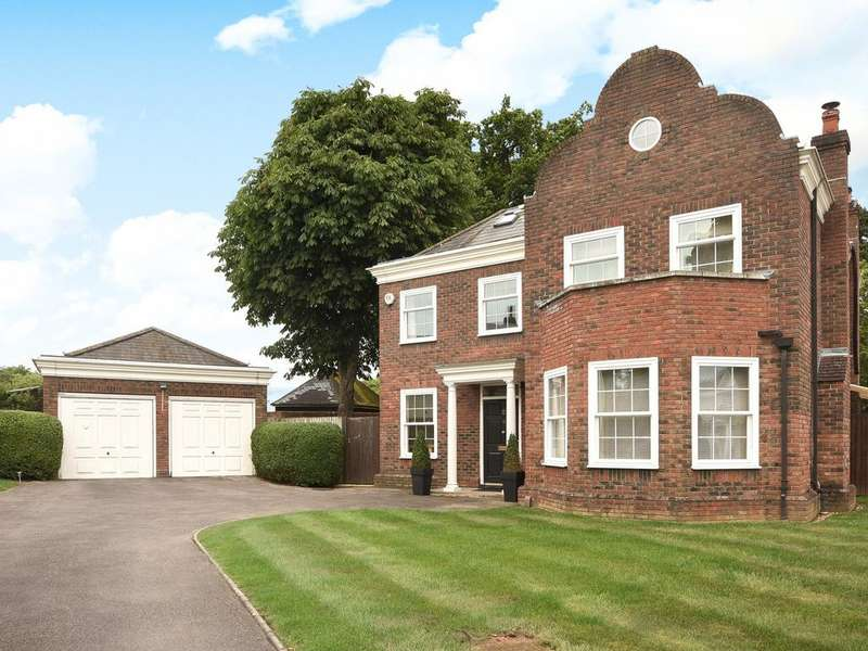 5 Bedrooms Detached House for sale in Devonshire Park, Reading, RG2