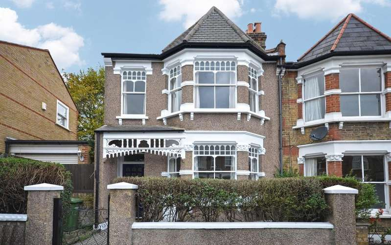 3 Bedrooms Semi Detached House for rent in Mayhill Road London SE7