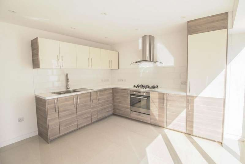 4 Bedrooms End Of Terrace House for sale in New City Road, Plaistow, E13