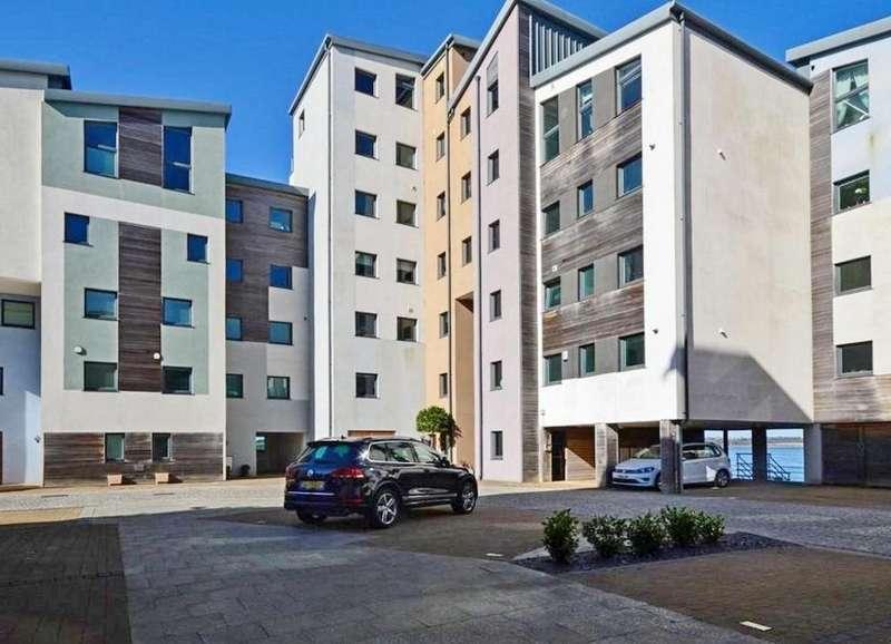 3 Bedrooms Flat for rent in Doc Fictoria, Caernarfon, North Wales