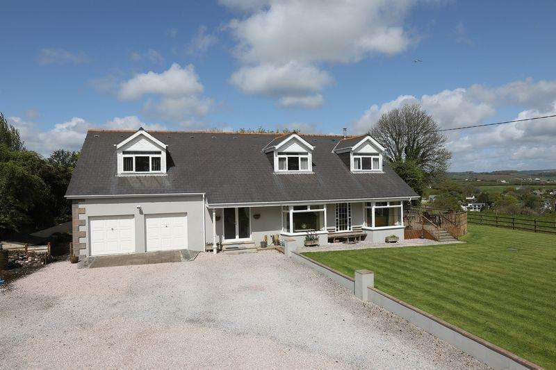 5 Bedrooms Detached House for sale in Callington Road, Saltash