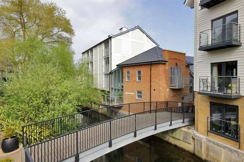 3 Bedrooms House for sale in Clearwater Mews, Stour Street, Canterbury, Kent, CT1