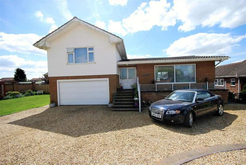 4 Bedrooms Detached House for sale in High Road, Whaplode, Spalding