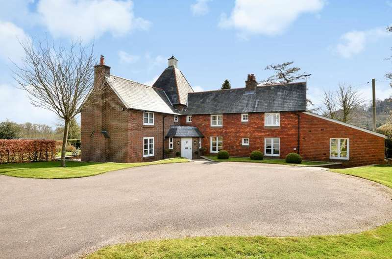 5 Bedrooms Detached House for sale in Wheatham Lane, Wheatham, Liss, GU33
