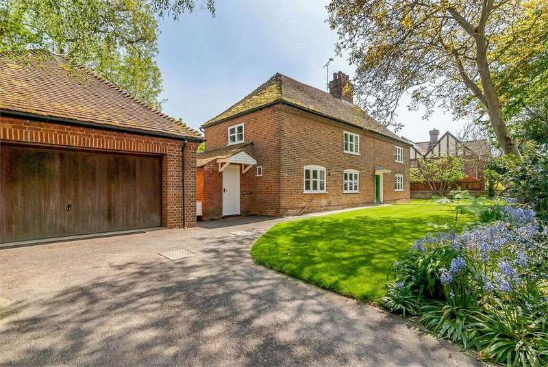 4 Bedrooms Detached House for sale in Hook Green Road, Southfleet