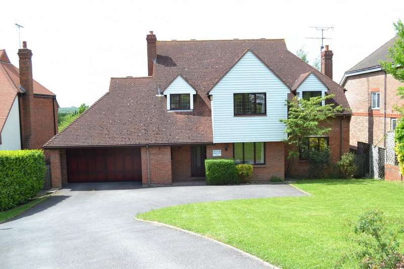 4 Bedrooms Detached House for sale in Crays Hill Road, Crays Hill, Billericay, Essex, CM11