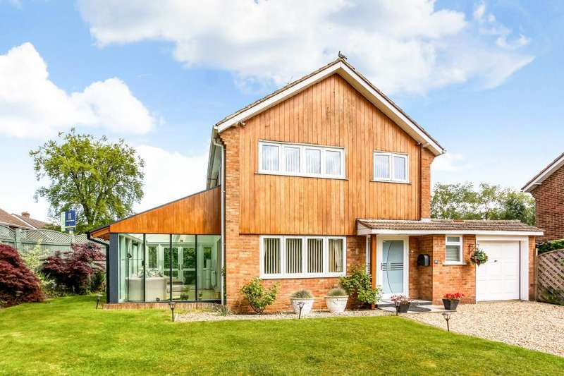 3 Bedrooms Detached House for sale in Ranelagh Crescent, Ascot