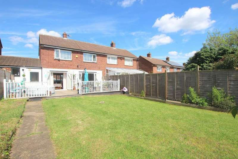 3 Bedrooms Semi Detached House for sale in Dukes Road, Ampthill, Bedfordshire, MK45 2TB