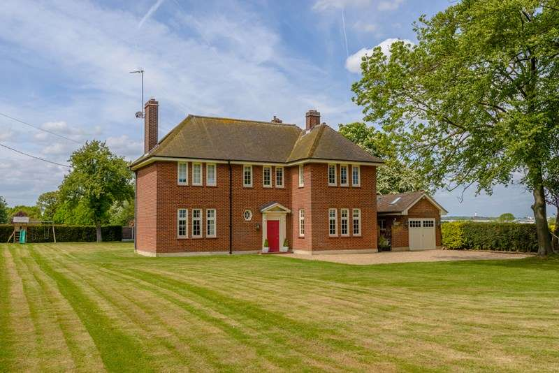 5 Bedrooms Country House Character Property for sale in Sutton Rectory, Sutton Road, Southend on Sea
