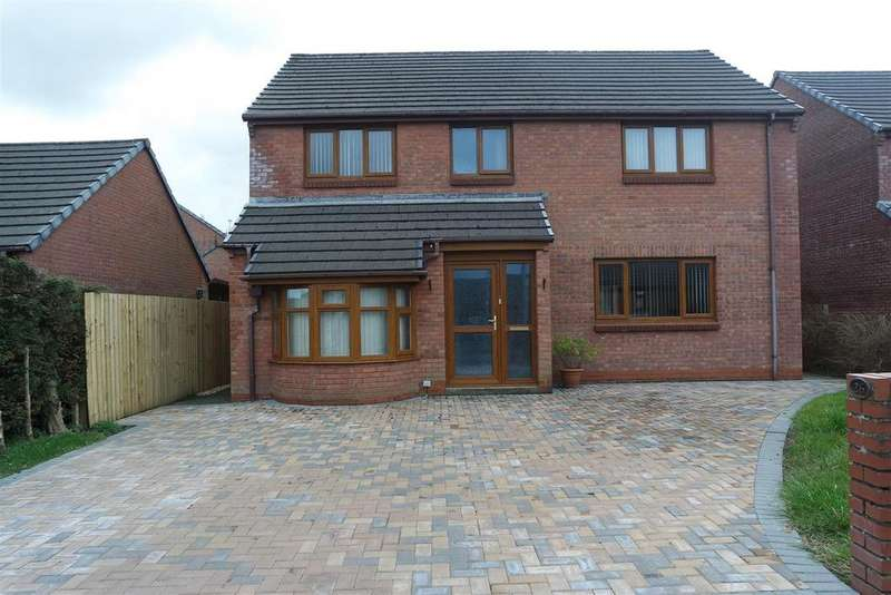 4 Bedrooms Detached House for sale in Redhill Park, Haverfordwest