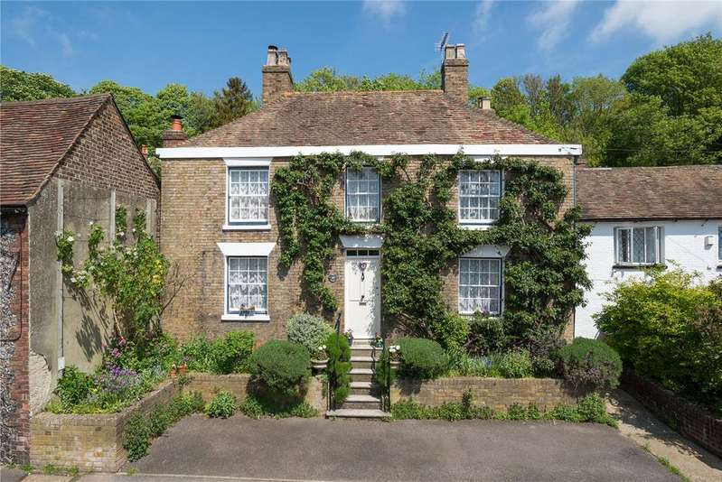 4 Bedrooms Detached House for sale in Lower Road, River, Dover, Kent