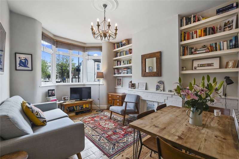 1 Bedroom Flat for sale in Caistor Park Road, London, E15
