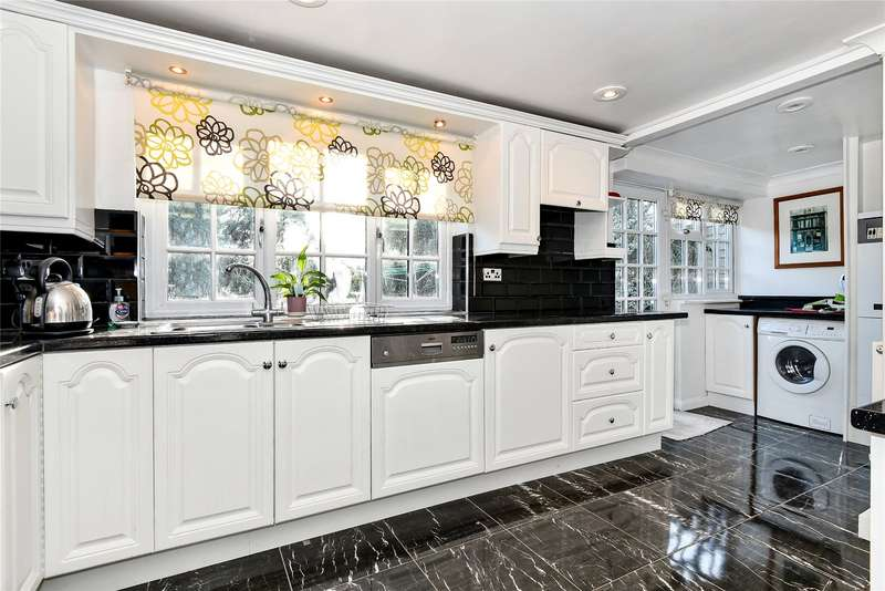 4 Bedrooms Semi Detached House for sale in Littlefield Green, White Waltham, Maidenhead, Berkshire, SL6