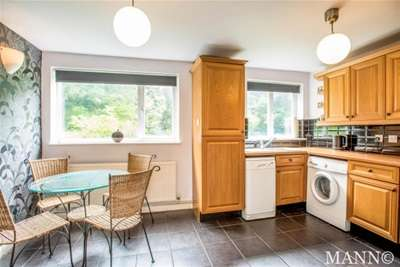 2 Bedrooms Maisonette Flat for rent in Tyron Way, Sidcup, DA14