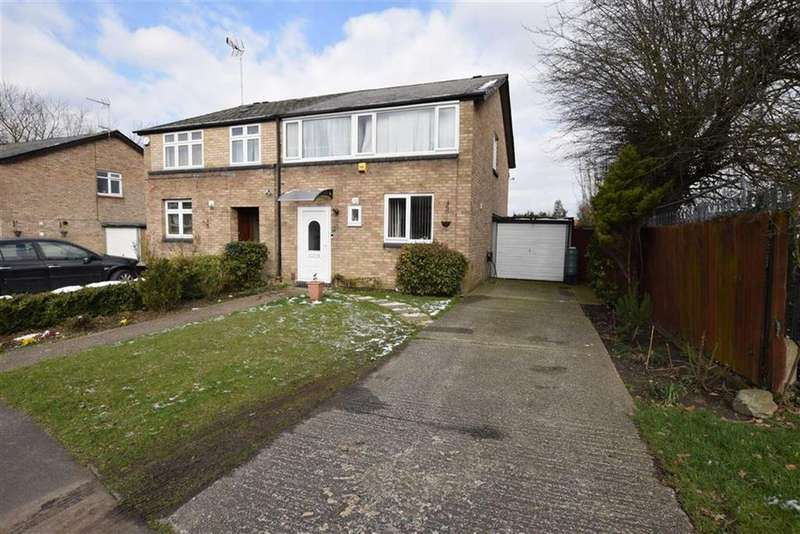 4 Bedrooms Semi Detached House for sale in Rise Park, Basildon, Essex