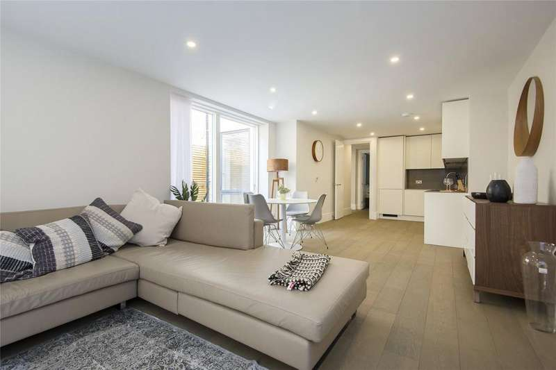2 Bedrooms Flat for sale in Delfont House, 75 Globe Road, London, E1
