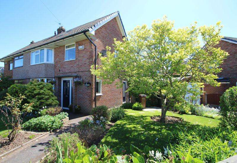 4 Bedrooms Semi Detached House for sale in Patterdale Road, Woodley