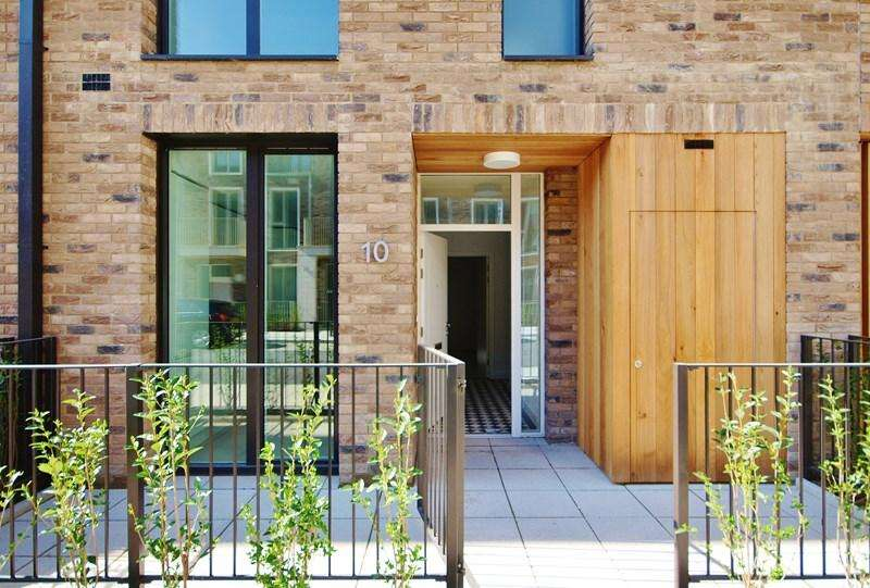 4 Bedrooms Terraced House for sale in Townhouse, Starboard Way, Royal Wharf