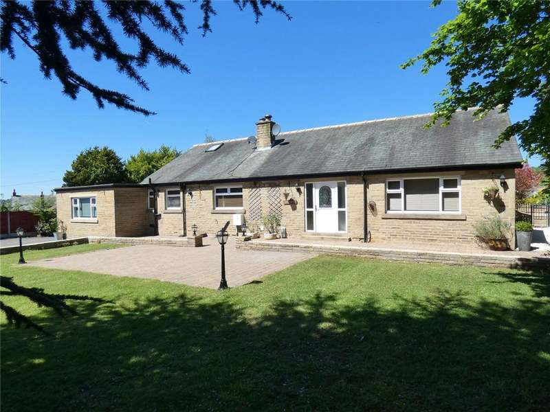 4 Bedrooms Detached Bungalow for sale in Moat Hill, Birstall, Batley, WF17