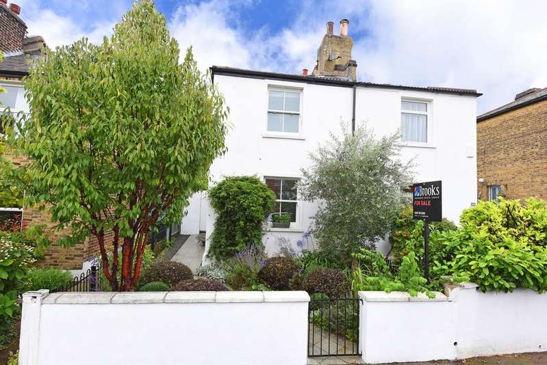 2 Bedrooms Semi Detached House for sale in Wellfield Road, Streatham