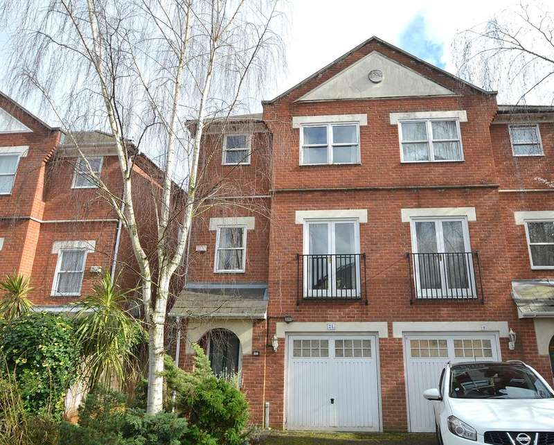 4 Bedrooms Semi Detached House for sale in Hermitage Road, Crystal Palace SE19