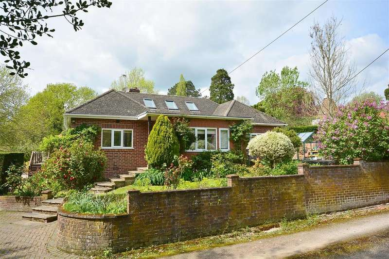 2 Bedrooms Detached Bungalow for sale in Church Hill, Sedlescombe