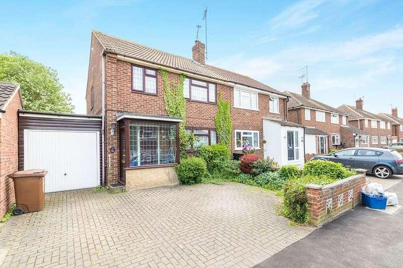 4 Bedrooms Semi Detached House for rent in Parkfield Road, Rainham, Gillingham, ME8