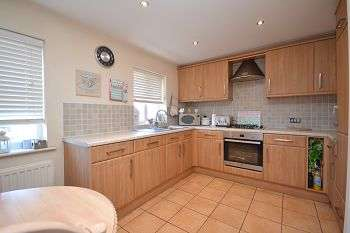 3 Bedrooms Town House for sale in Westbourne Close, Ince, Wigan, WN3 4JE