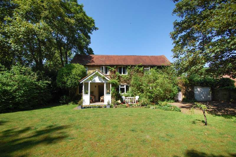 6 Bedrooms Detached House for sale in Templewood Lane, Stoke Poges, SL2