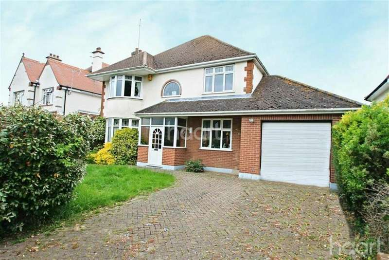4 Bedrooms Detached House for rent in Central Clacton