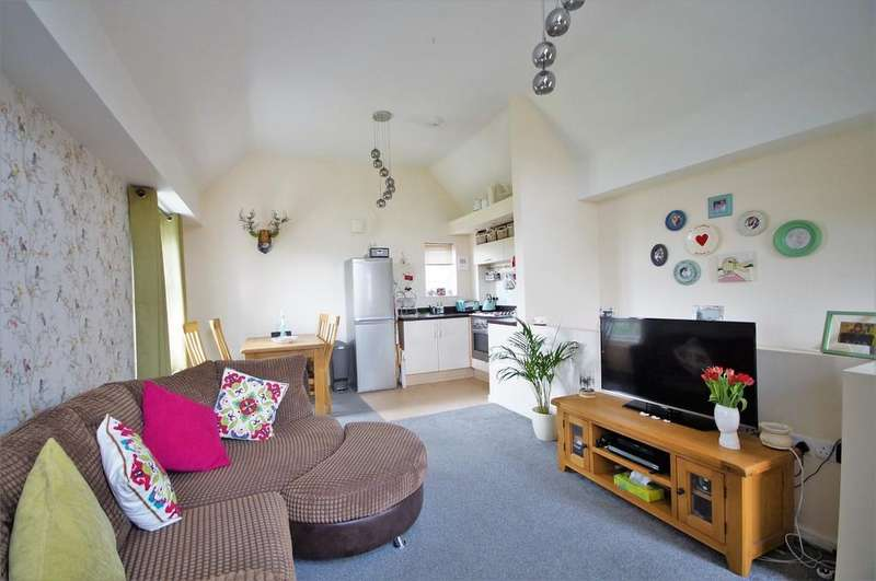 2 Bedrooms Apartment Flat for sale in Pitcairn Avenue, Lincoln